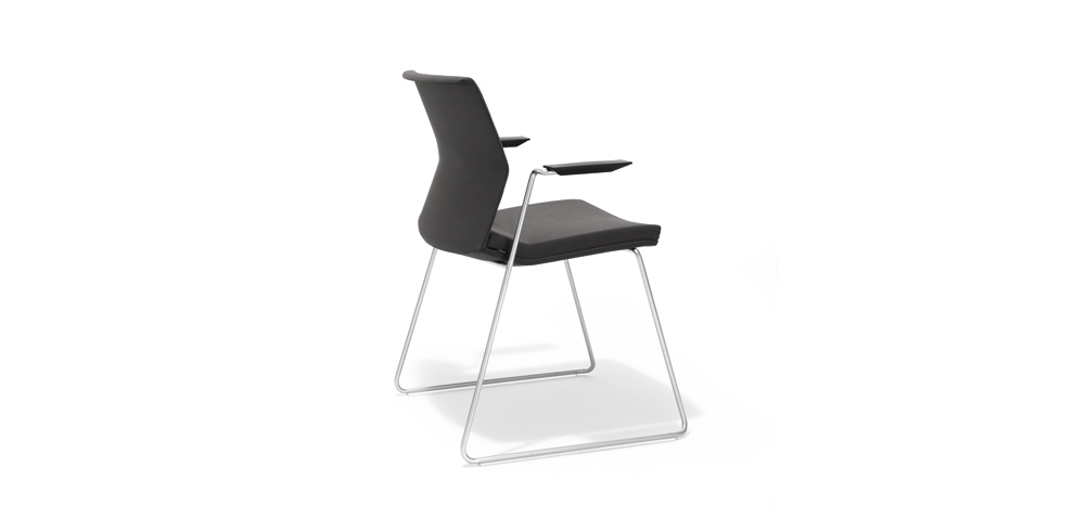 B_Side skid-base chair