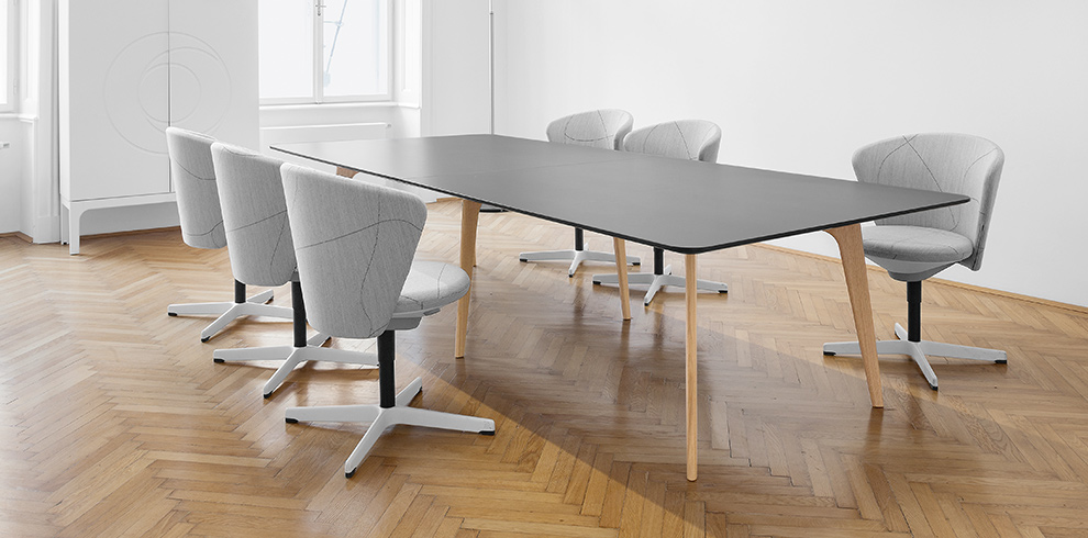 Bay Chair with glides & TIMBA Table