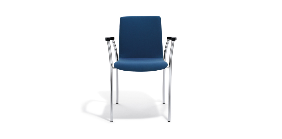 Kizz Chair with armrests