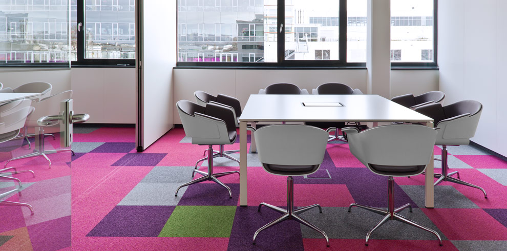 Rondo chairs & T-Meeting Table, BIPA, Wiener Neudorf, Austria