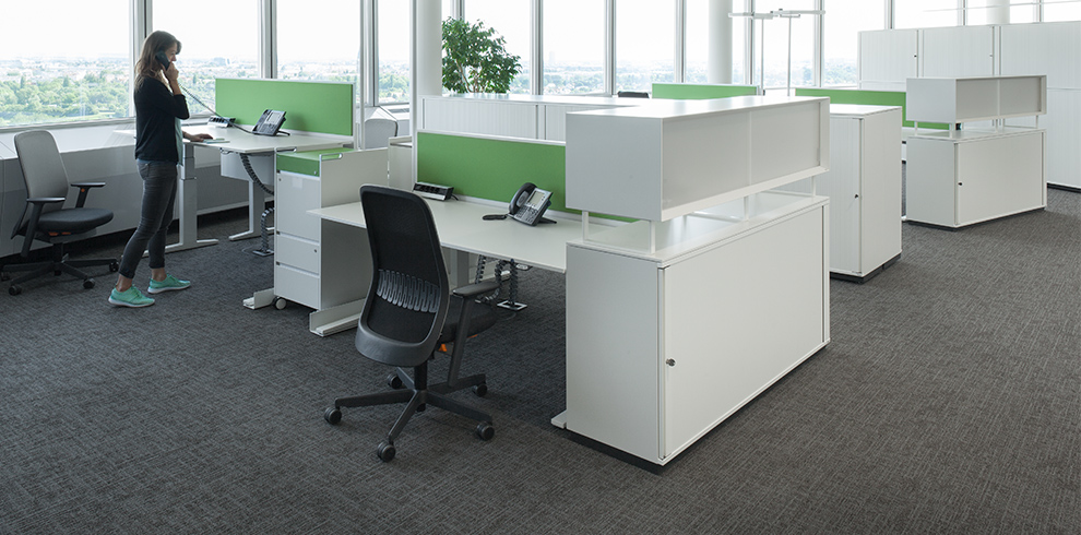 Lift Desk, RIYA swivel chair, T-Caddy, KB Box & KX storage