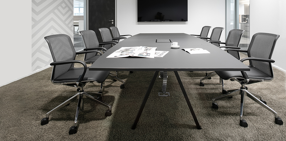 DELTA Meeting Table with FILO Chairs