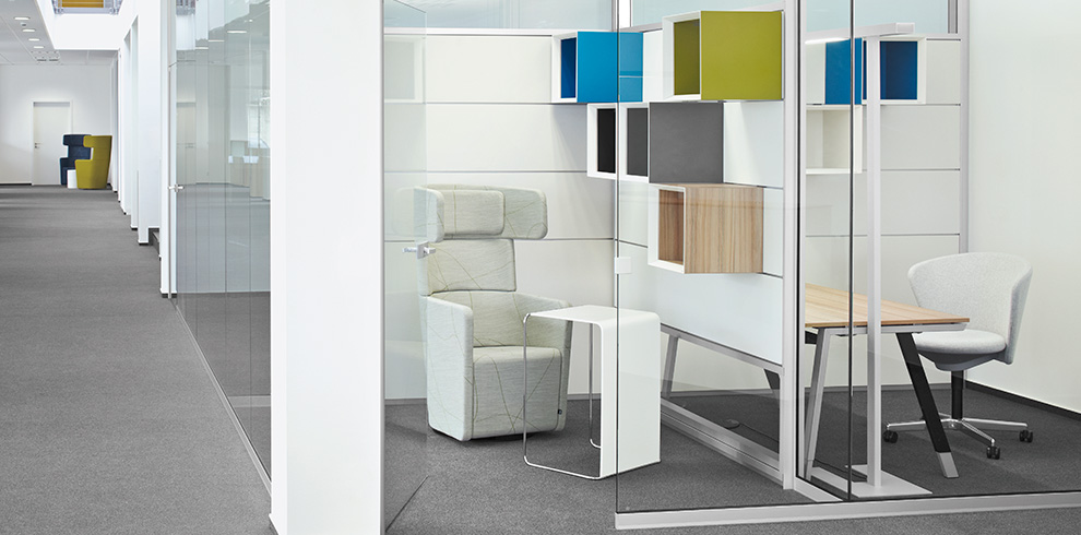 Project Varian / Troisdorf with Bay Chair, PARCS Wing Chair, T-Workstation and R-Platform